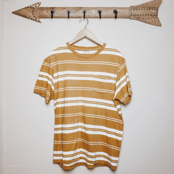 Urban Outfitters Other - Urban outfitters mens yellow stripe tee